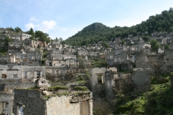 deserted less than 100 years but somehow in worse shape than surrounding 3000 year old ruins