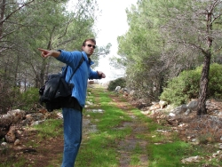 after a bad night's sleep, we're off on another dayhike along the Lycian trail