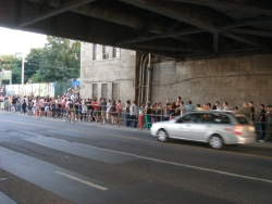 ridiculously long line for a Quimby (Hungarian band) concert