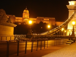 Chain Bridge and Royal Palace by night - the best time of day in Budapest