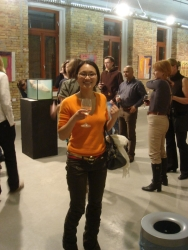 free wine at the VAM gallery