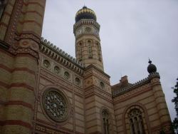 the Dohany Synagogue - only five minutes from our house