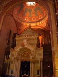 we're sure we'll make it to the synagogue some day - until then, these pics from Tushar will have to do